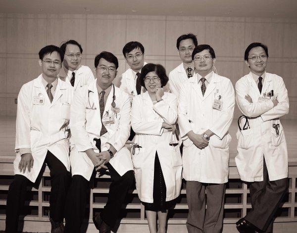 2010腫內科醫師合照-1