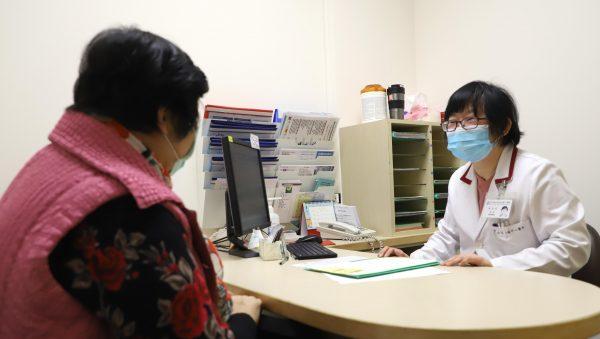 配圖-3 20210115醫療2F術前麻醉評估門診護理師2-1朱玉芬攝